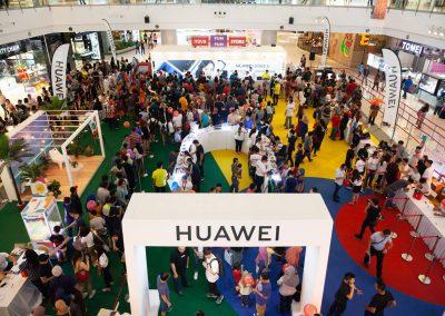 Huawei x Nerdunit at IOI City Mall 2018